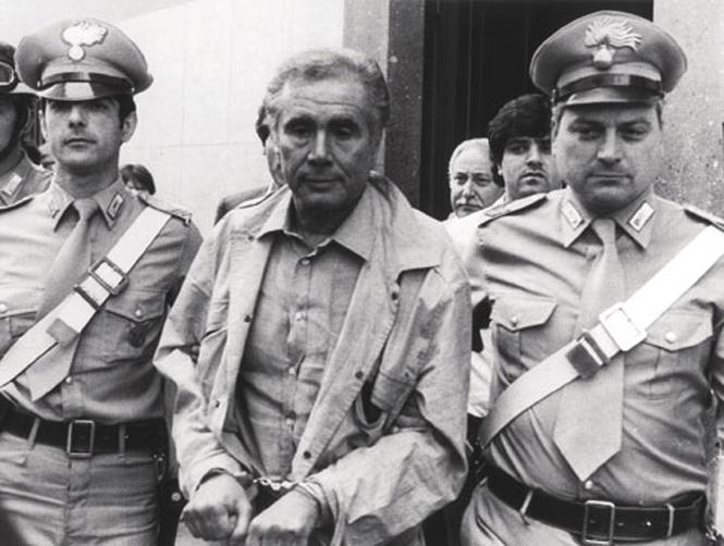 Photo of Il caso Tortora e il caso Siani, due storie diverse ma non tanto