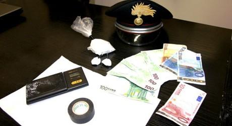 Photo of I Carabinieri di Velletri smantellano un'organizzazione  locale dedita  al traffico di stupefacenti