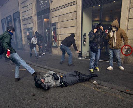 Photo of Manifestazioni: Sempre colpa della Polizia mai dei delinquenti!