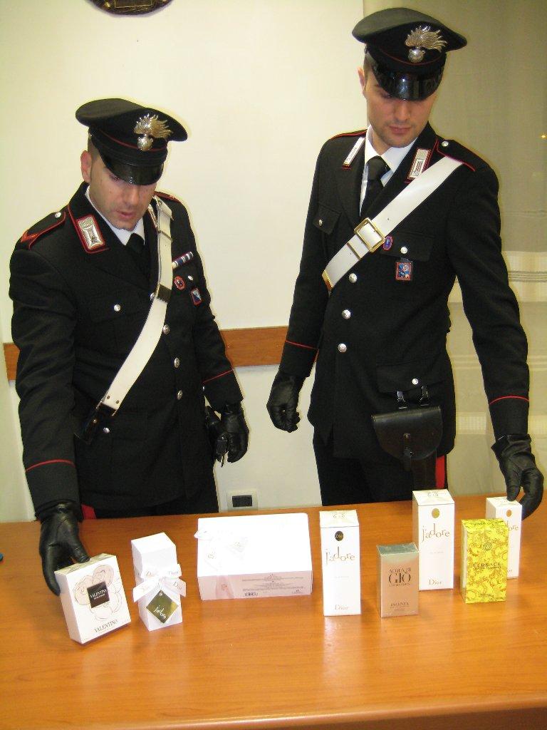 """Photo of Autotrasportatore """"infedele"""", abilmente  rubava i cosmetici trasportati.  Arrestato dai Carabinieri"""