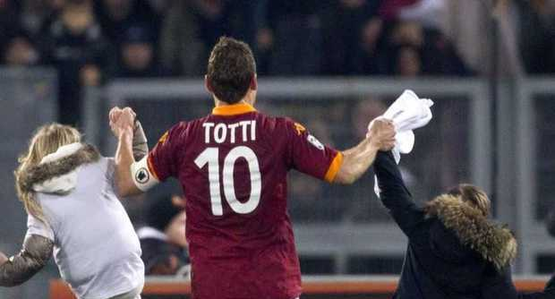 "Photo of ""225, next stop Piola"" ora Totti è leggenda!"