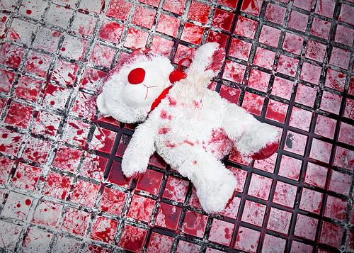 Photo of Massacra di botte la figlia di appena due mesi e poi l'abbandona in ospedale