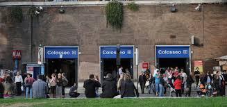 Photo of Calano i turisti per colpa dei borseggi. Ma noi, i delinquenti, abbiano l'obbligo di  integrarli