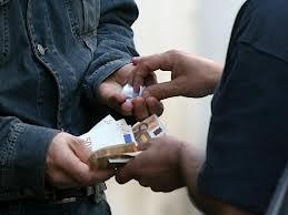 Photo of Vendeva droga ai minori. Arrestato un senegalese. Ferito un Carabiniere