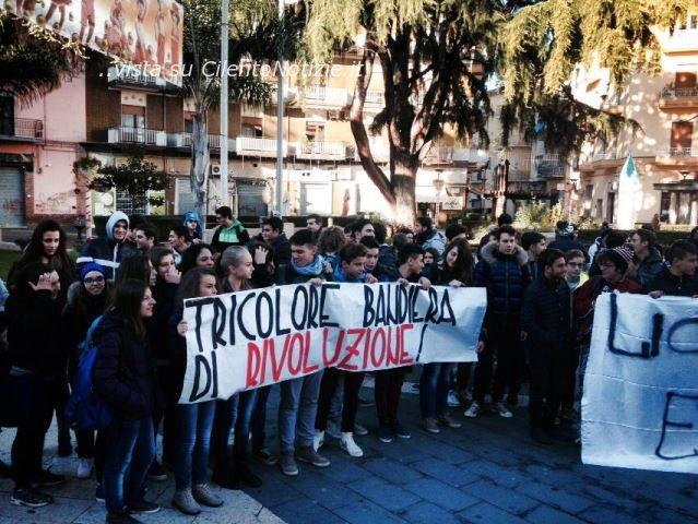Photo of Continua a dilagare la protesta  in tutta Italia ma per il presidente della repubblica Napolitano, il governo Letta deve andare avanti