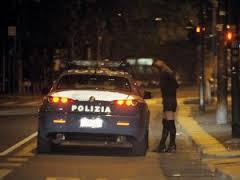 Photo of Rapinatore seriale di prostitute e transessuali arrestato dalla Polizia