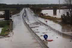 Photo of Per la pioggia, grandi disagi alla circolazione nella viabilità diretta alla Capitale. Chiusa la Roma-Nord