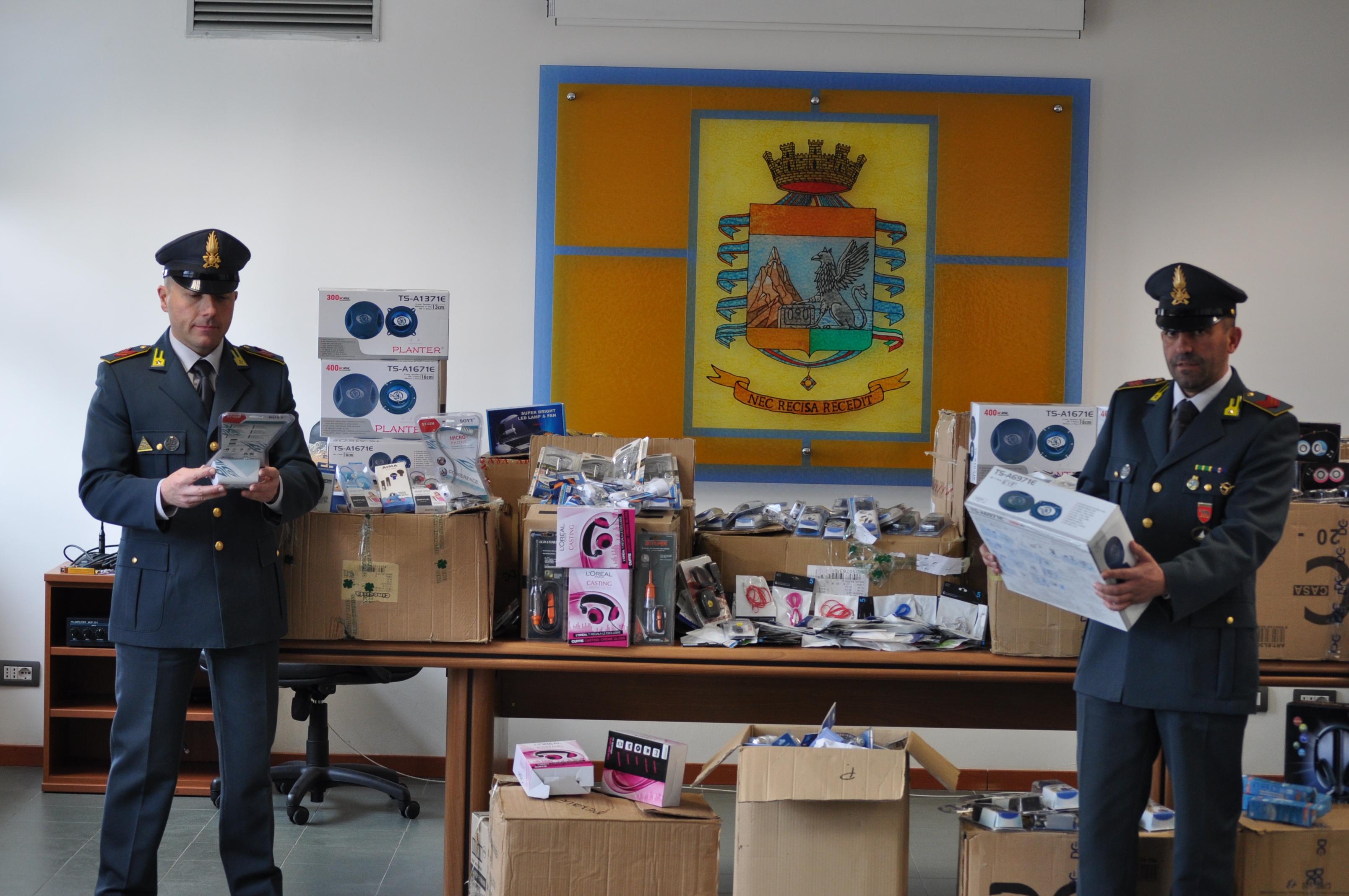 """Photo of 1500 articoli elettrici con marchio """"CE"""" contraffatto, sequestrati dalla Guardia di Finanza di Rieti"""