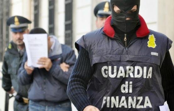 """Photo of Con l' """"Operazione Ghostbusters"""", la Guardia di Finanza di Bari decapita un sodalizio criminale ed arresta 5 persone, fra cui il boss """"U fantasm"""""""