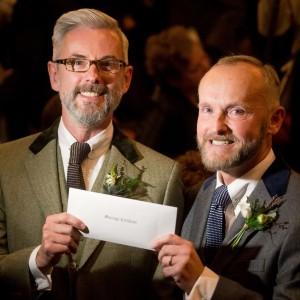 Photo of Celebrati i primi matrimoni gay in Gran Bretagna