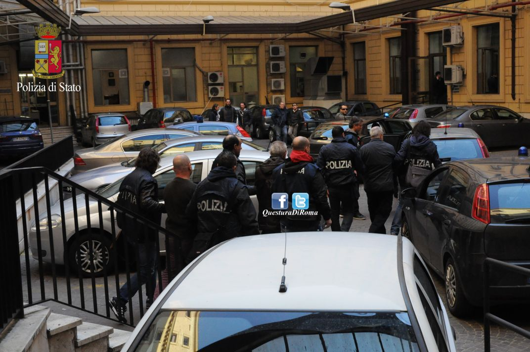Photo of Ex direttore Aereoporto Ciampino e funzionari ENAC, arrestati dalla Polizia