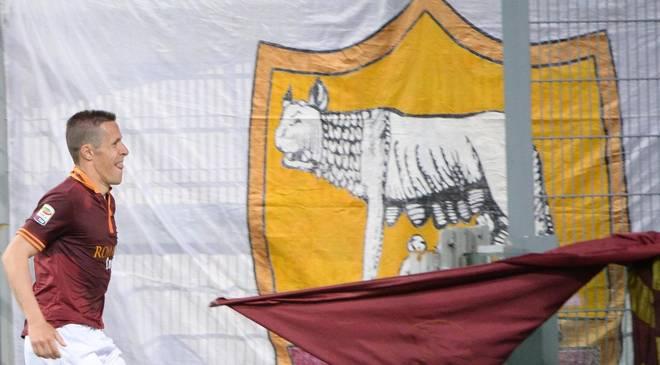 """Photo of La Roma si toglie una """"grana"""" e si riavvicina alla Juve!"""