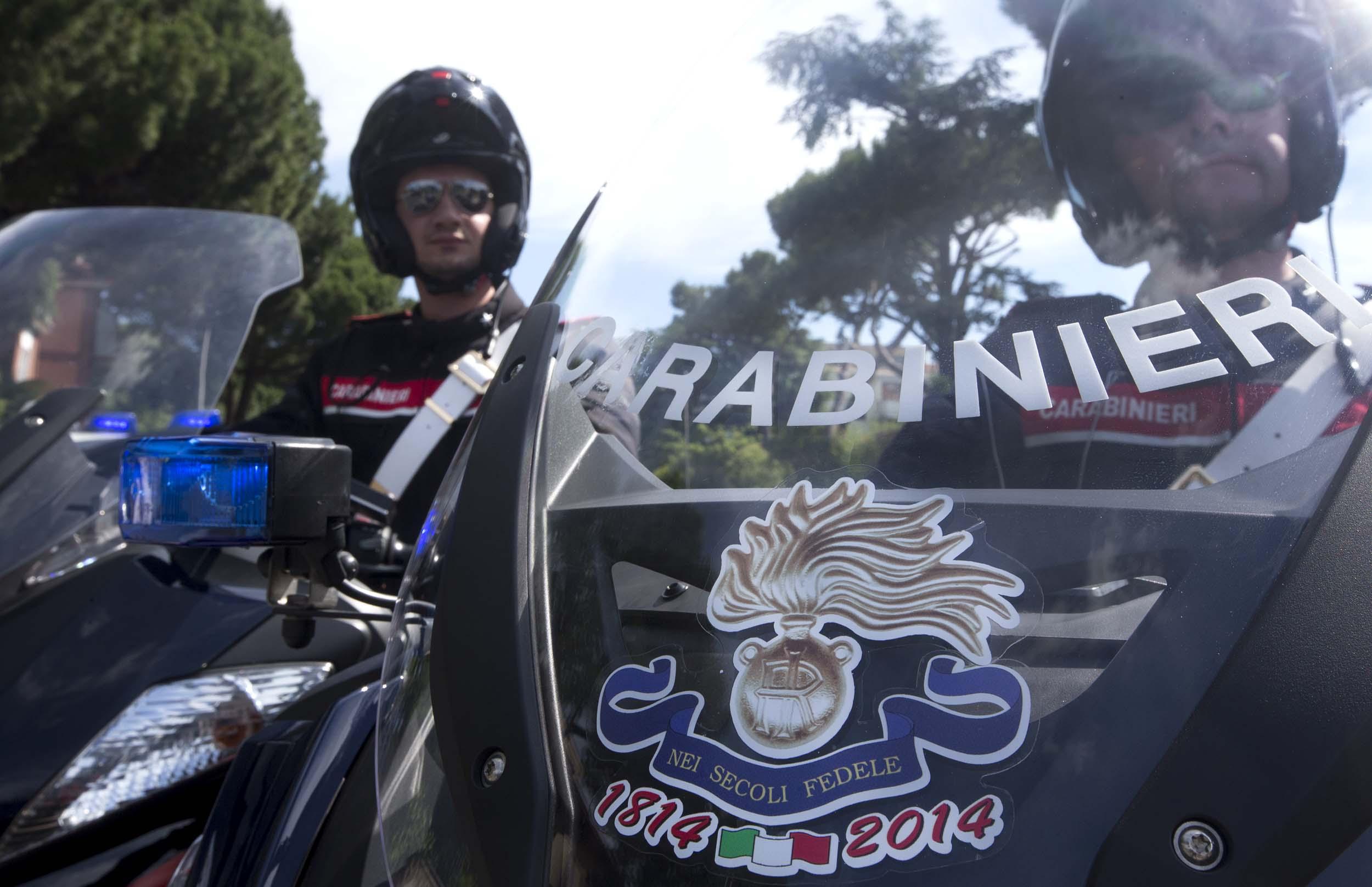 Photo of Applicato sui mezzi,  il logo del bicentenario di Fondazione dei Carabinieri