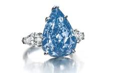 Photo of Venduto il diamante blu più grande del mondo