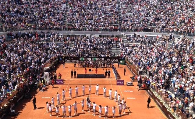 """Photo of Internazionali BNL d'Italia: la regina del Foro è Serena Williams, ma tutti gridano """"Grazie Sara""""!"""