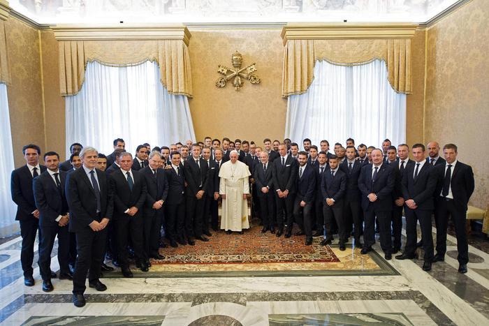 """Photo of Papa Francesco: """"Nel calcio,  il fattore economico non deve mai prevalere su quello sportivo"""
