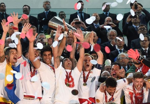Photo of Siviglia campione! Benfica: la maledizione continua!