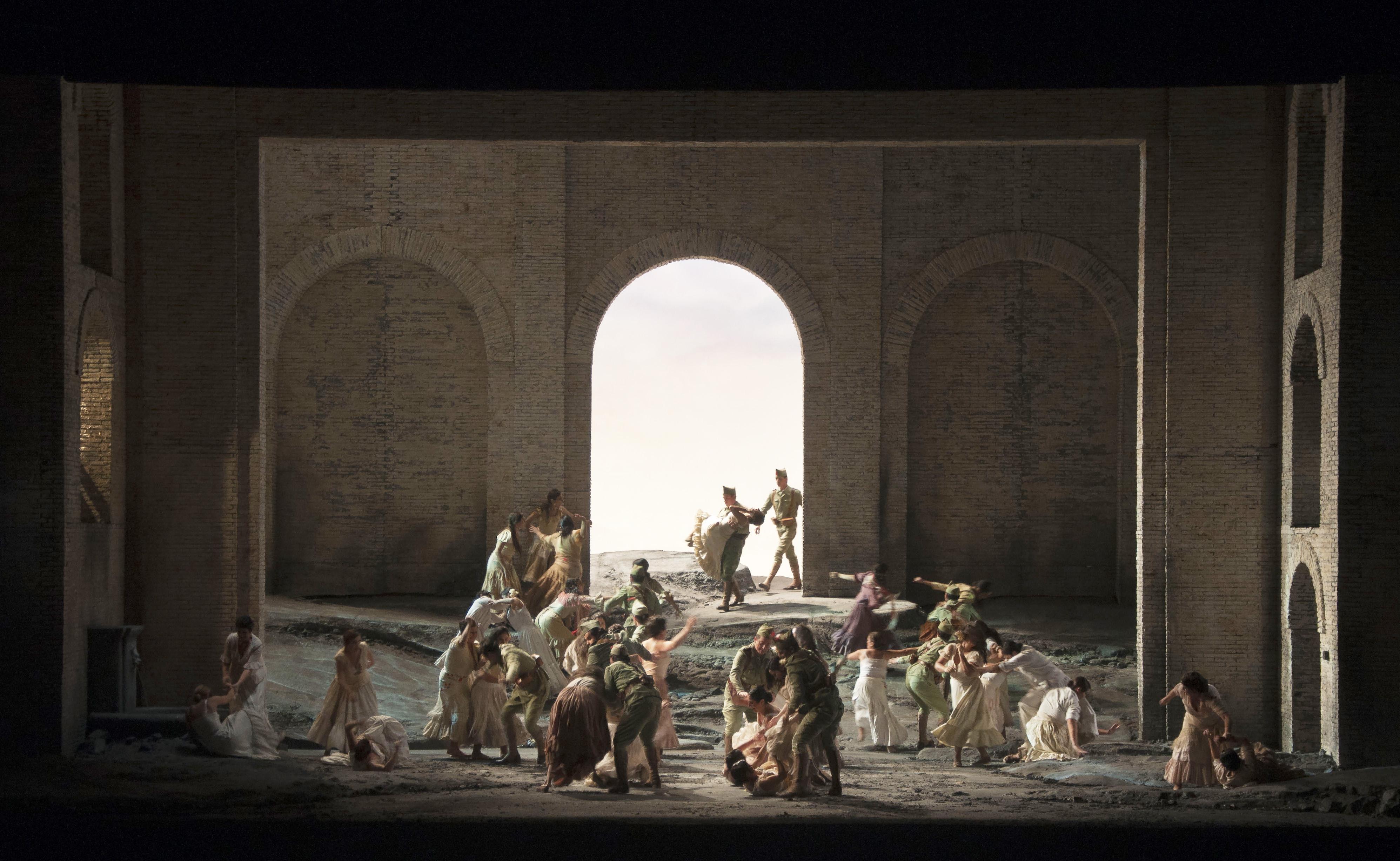 Photo of Teatro dell'Opera –  Il capolavoro di Bizet  diretta da Villaume.Carmen e il suo destino d'amore e morte