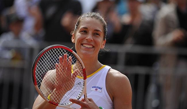 Photo of Tennis, Roland Garros: la Errani si arrende alla potenza fisica della Petkovic!