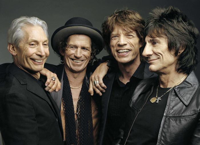 Photo of Rolling Stones, Fiammata e boato al via il concerto