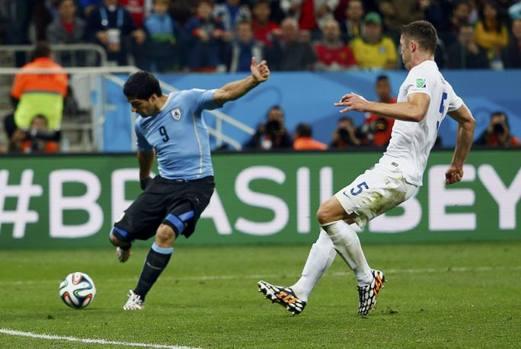Photo of Mondiali Brasile 2014 – Tabarez cala l'asso Suarez che schianta l'Inghilterra!