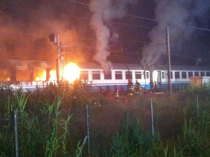 Photo of Treno Intercity Napoli-Sestri: in fiamme l'ultimo vagone