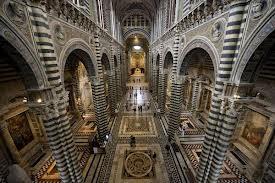 """Photo of Il Duomo di Siena """"mostra"""" il suo pavimento"""