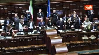 Photo of Mentre il Paese affonda i Parlamentari giocano a rimpiattino