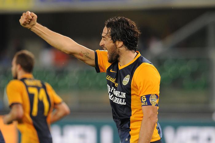 Photo of Campionato Serie A: il Verona batte il Palermo 2-1 – Tutti i risultati, la classifica e marcatori