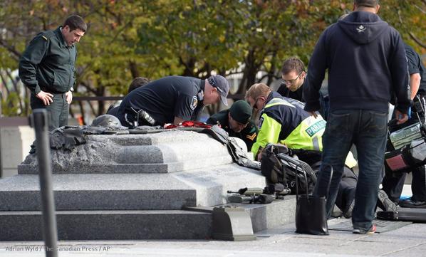 Photo of Canada sotto attacco, filojihadista spara in Parlamento: ucciso un soldato