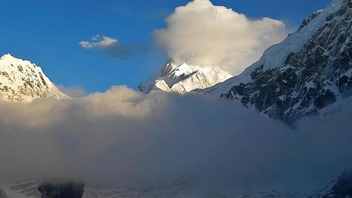 Photo of Nepal: sette morti per una tempesta di neve sull'Himalaya