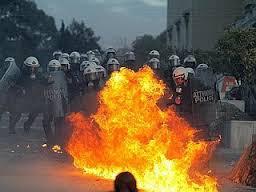 Photo of Ancora violenza, scusate, non violenza, dei No Tav a Torino. CC ricoverato