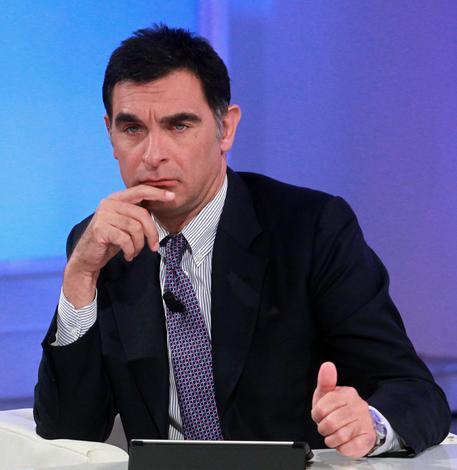 Photo of La regia di Uno Mattina manda in onda la bestemmia di Tiberio Timperi