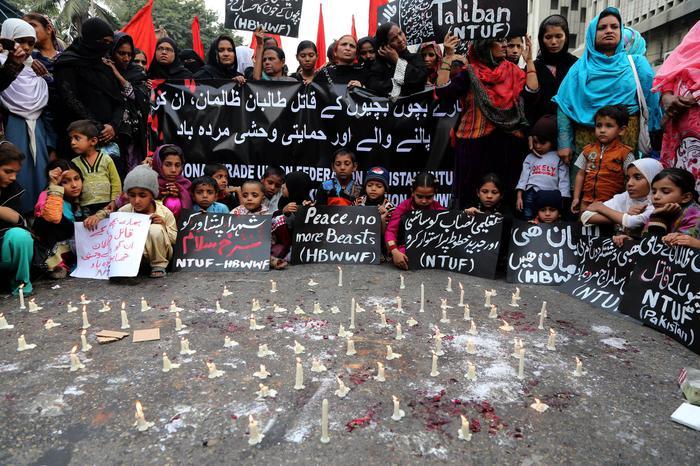 Photo of Dove il popolo viene rispettato. In Pakistan, dopo la strage nella scuola, stop alla moratoria e chieste 3.000 impiccagioni