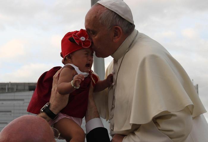 Photo of Flash – Papa Francesco a Tacloban: piango con voi