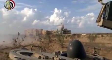 Photo of Egitto: Jihadisti all'attacco.  6 morti e 35 feriti