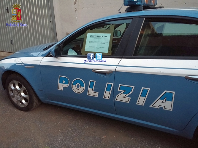 """Photo of Identificato e denunciato il rom ripreso alla guida di una """"volante""""  usata in cinematografia"""