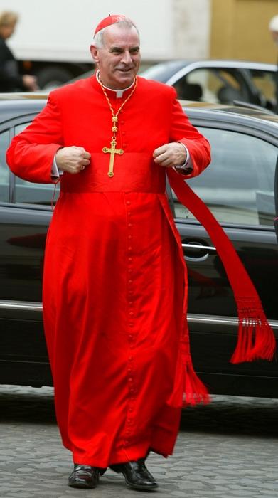 Photo of O'Brien, accusato di scandali sessuali, perde i  diritti ma non il titolo di cardinale