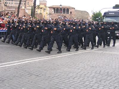 Photo of La guerra è guerra!