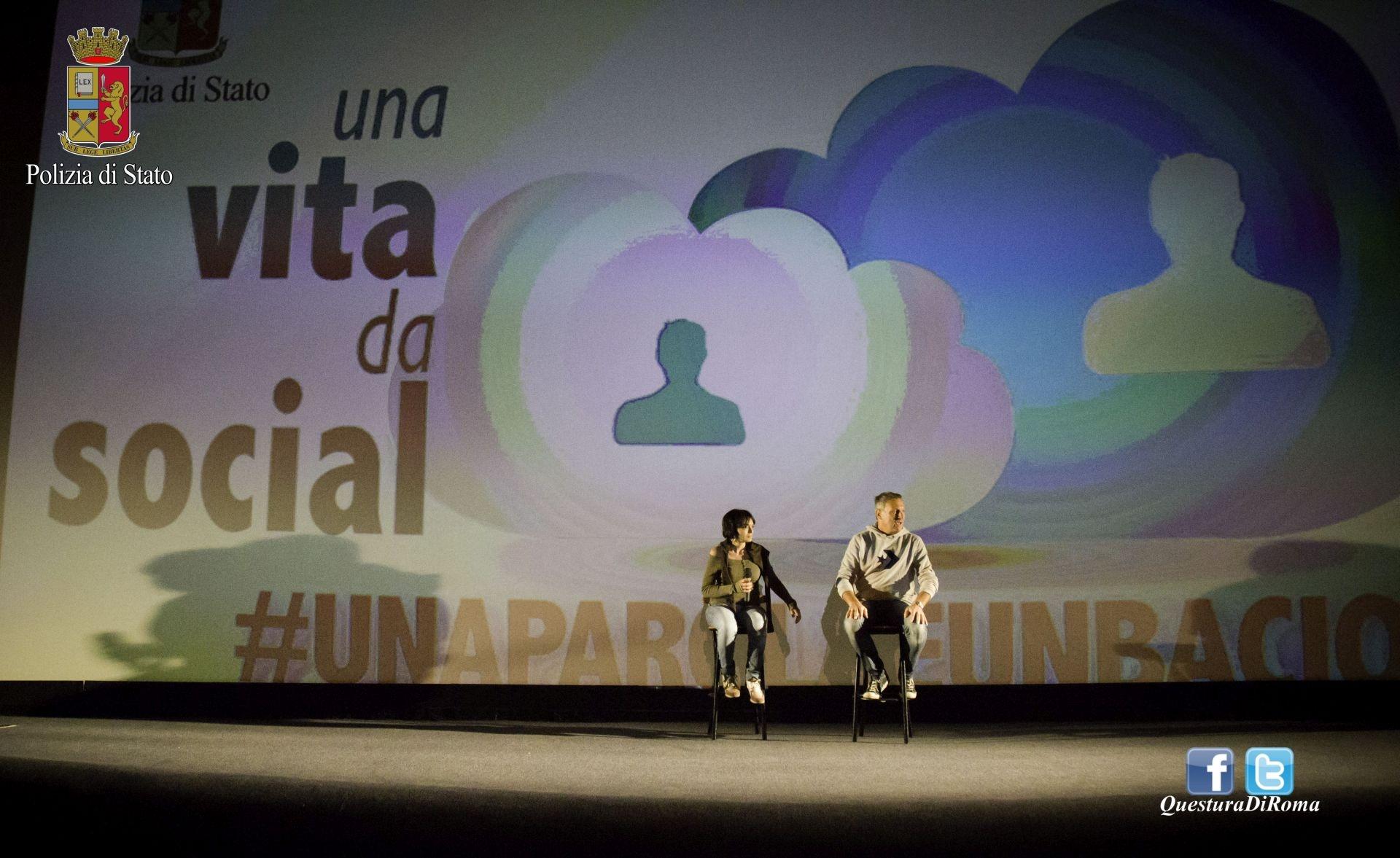 Photo of Arriva a Ostia il progetto teatrale itinerante sul cyberbullismo della Polizia di Stato in collaborazione con Baci Perugina