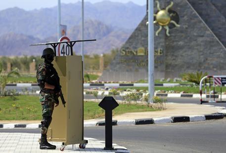Photo of In Egitto, con legge antiprostituzione, la polizia può espellere o impedire accesso a stranieri gay