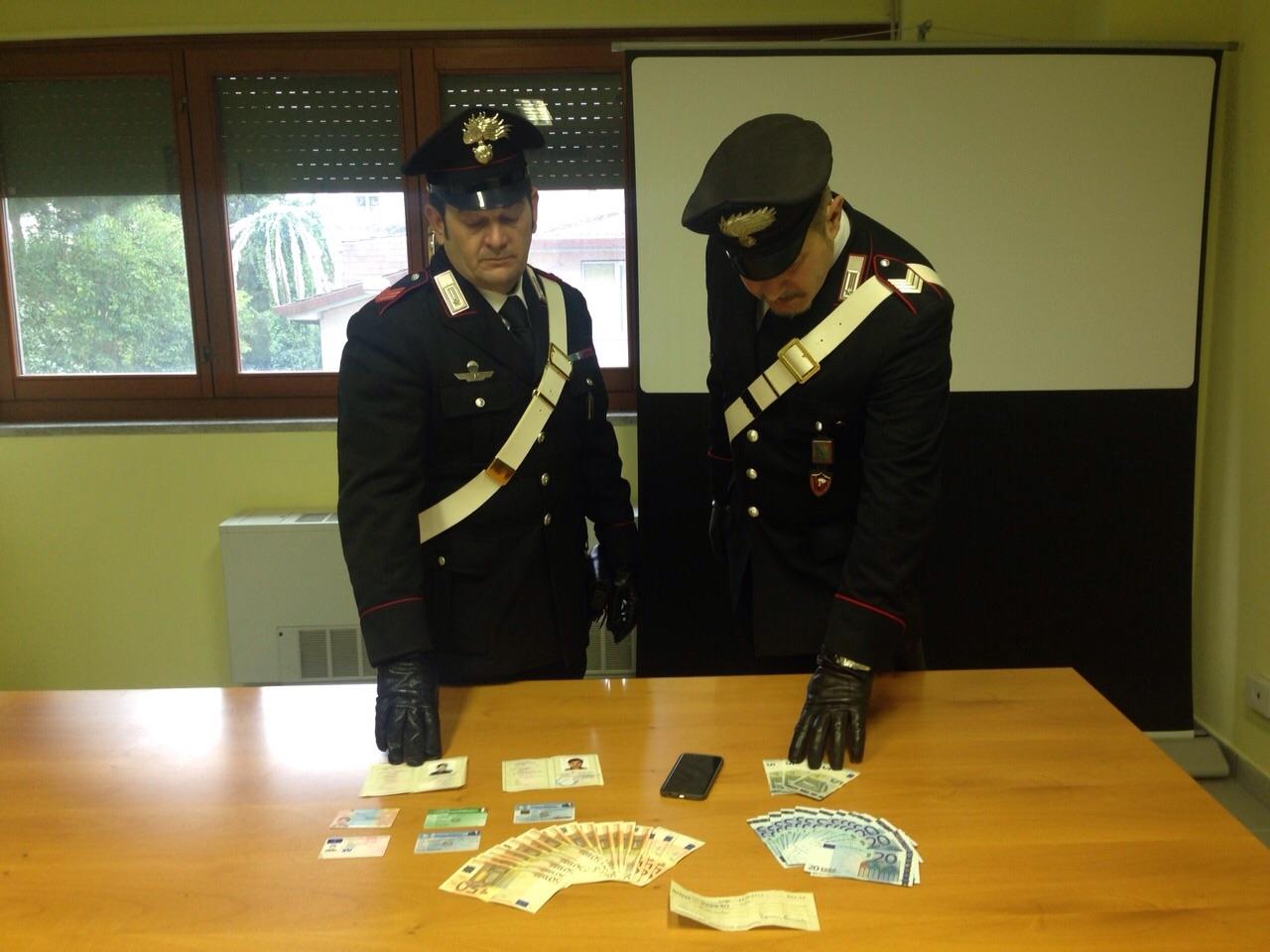 Photo of Pakistano si presenta all'esame di italiano per il permesso di soggiorno al posto di un afgano. Arrestato