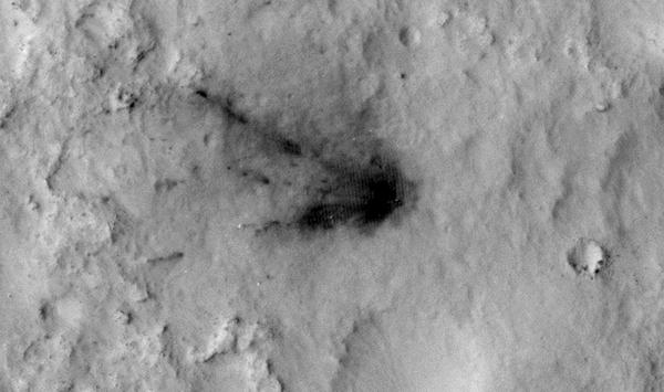 Photo of Marte – Ancora evidente il punto dell'atterraggio di Curiosity