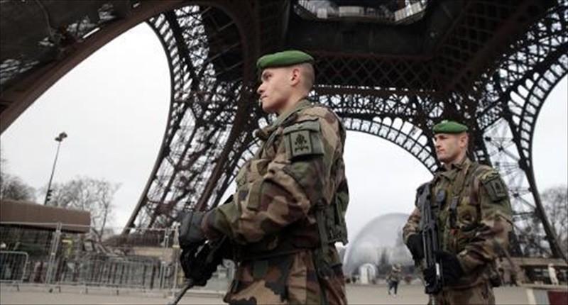 Photo of Flash  – Parigi: studente islamista preparava imminenti attentati contro chiese cristiane