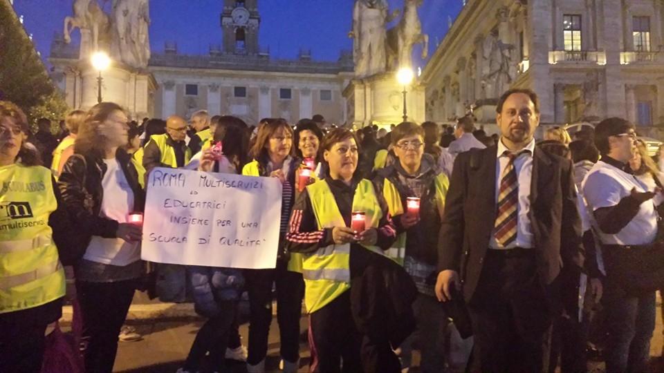 Photo of Flash-mob degli insegnanti dinanzi al Campidoglio