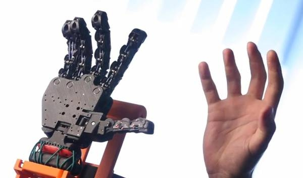 Photo of Flash – Avanza l'uomo bionico: pronta prima mano stampata in 3D