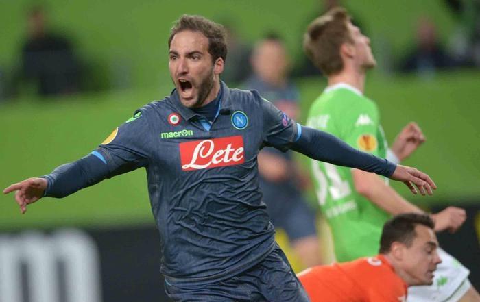 Photo of Europa League. Canta Napoli