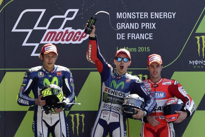 Photo of Motogp – Gran Premio Francia –   A Le Mans, vince Lorenzo seguito da Rossi  – CLASSIFICHE