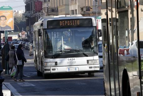Photo of Sciopero trasporti Usb – Venerdì nero per bus e metro