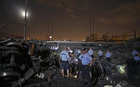 Photo of Flash -Usa: deraglia treno passeggeri: al momento 5 morti e 50 feriti